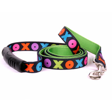 Hugs and Kisses Uptown Dog Leash