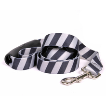 Team Spirit Black and Silver EZ-Grip Dog Leash