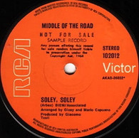 MIDDLE OF THE ROAD  -   Soley, soley/ To remind me (G81359/7s)