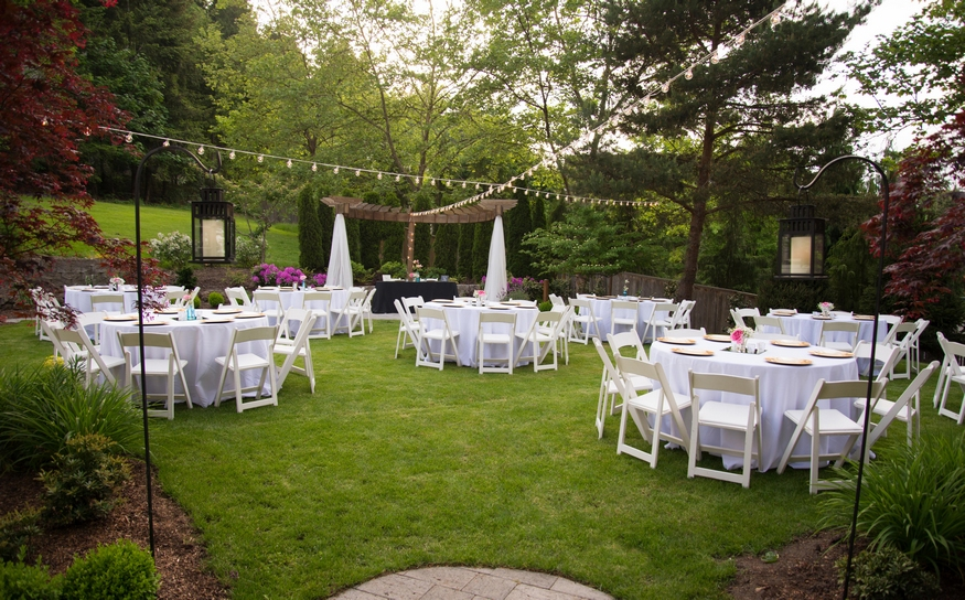 wedding ideas for two an intimate backyard wedding inspiration bridal tablecloths 27866