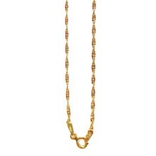 TWISTED CHAIN CHARM NECKLACE