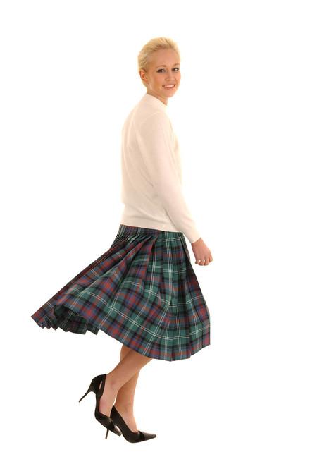 Locharron of Scotland LADIES DEEP PLEATED SEMI SKIRT