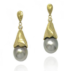 Sand Dune Pearl Dropn Earrings, Yellow Gold, Fine Art Jewelry by Keiko Mita