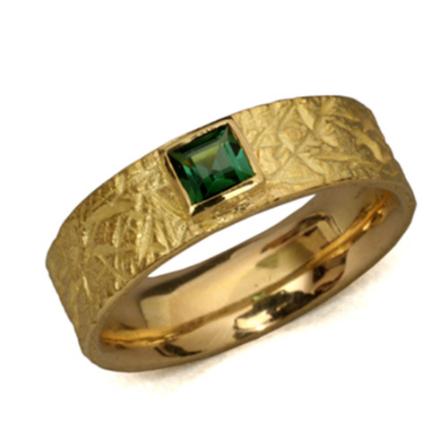 Textured Band Ring with Green Tourmaline, Modern Art Jewelry by Liaung-Chung Yen