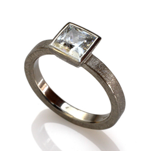 Square Stone Ring, Contemporary Jewelry by Liaung-Chung Yen