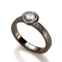 Round Stone Ring, Contemporary Jewelry by Liaung-Chung Yen
