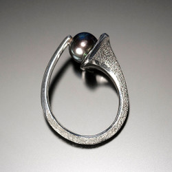 Flirt Ring, Modern Jewelry by Aleksandra  Vali