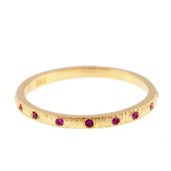Anit Dodhia's Equinox Feminine Pink Sapphires Ring | 18k Yellow Gold and 0.11ct Pink Sapphires | Maya Collection