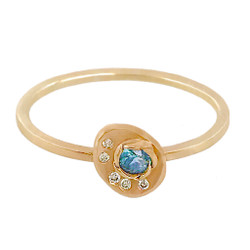 Camelia Gold Chip Ring