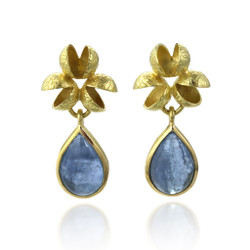 Flourishing Cluster Aquamarine Earrings from Liaung-Chung Yen | Textured 18 Karat Yellow Gold | Aquamarine