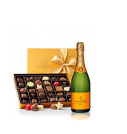 Veuve Clicquot w/Godiva 30pc Gold Collection