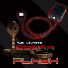 Cobra Flash (w/DVD) by Alex Lourido
