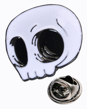 Skull. Pin badge