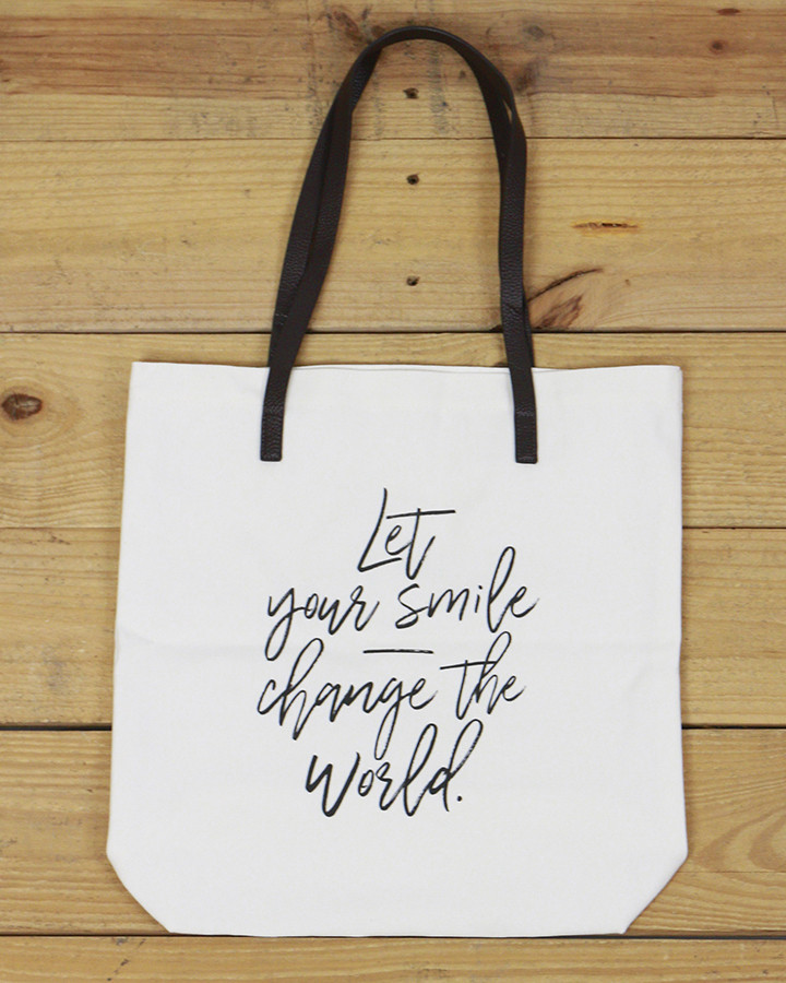 Gl Inspirational Quote Tote Quote Let Your Smile Change The World