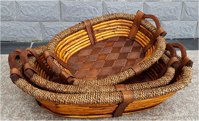 Medium in S/3 Oval willow, wood and seagrass baskets with wooden handles