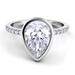 Danhov Per Lei Peasr Shape Solitaire Single Shank Engagement Ring LE103-PS