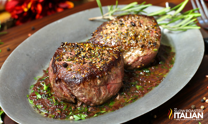 PAN-SEARED FILET OF SIRLOIN WITH RED WINE SAUCE