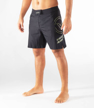 VIRUS | ST13 | DIVIDED COMBAT SHORT BLACK CAMO/BLACK