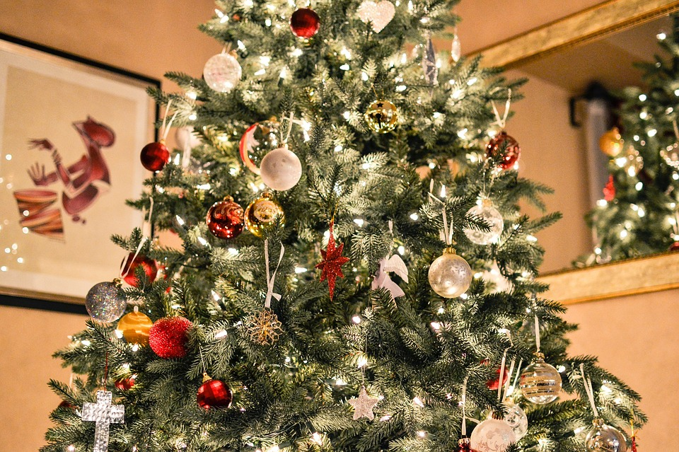 Is Your Christmas Tree A Fire Hazard Safetycompany Com