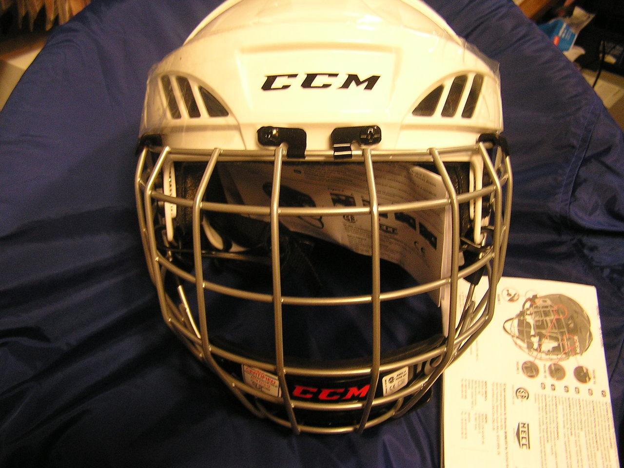 f40f1f01988 CCM FL40 Hockey Helmet Combo Fit Clips  Tool free length adjustment Tool  free length adjustment