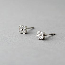 Tiny Daisy Stud Earrings Sterling Silver