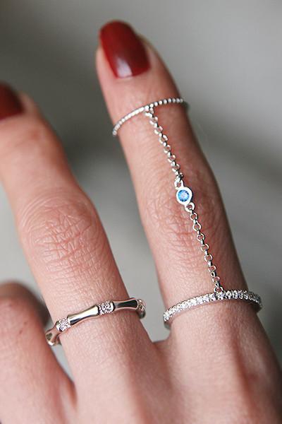 Blue Sapphire Bezel Two Finger Chain Ring White Gold