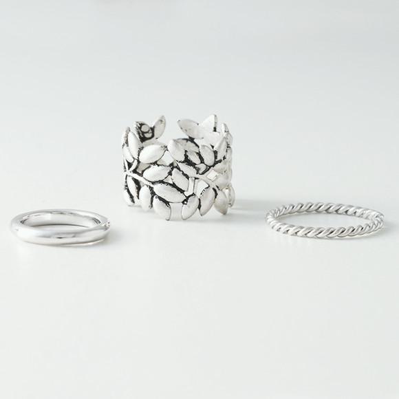 Oxidized Olive Leaf Ring Set of 3 from kellinsilver.com