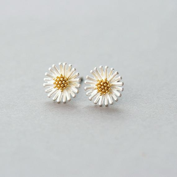 Very Small Creamy Daisy Stud Earrings from kellinsilver.com