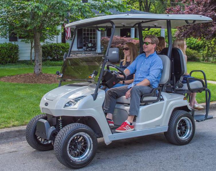 top-ten-2020-10-star-ev-sirius-golf-cart.png