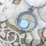 THE ARTIST JAY White Curly Q Circle Necklace