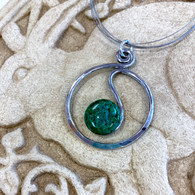 THE ARTIST JAY Jade Open Squiggle Circle Necklace