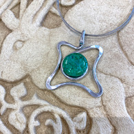 THE ARTIST JAY Emerald Wavy Square Necklace