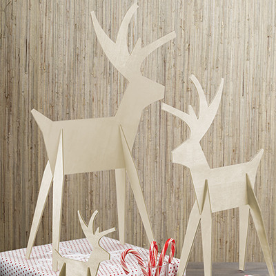 Natural Alpine Reindeer Displays