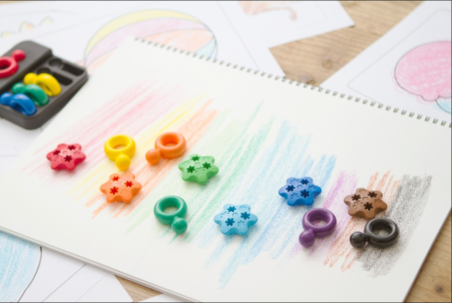 Primomo Non-Toxic Flower Crayon Set-with-ring-crayons