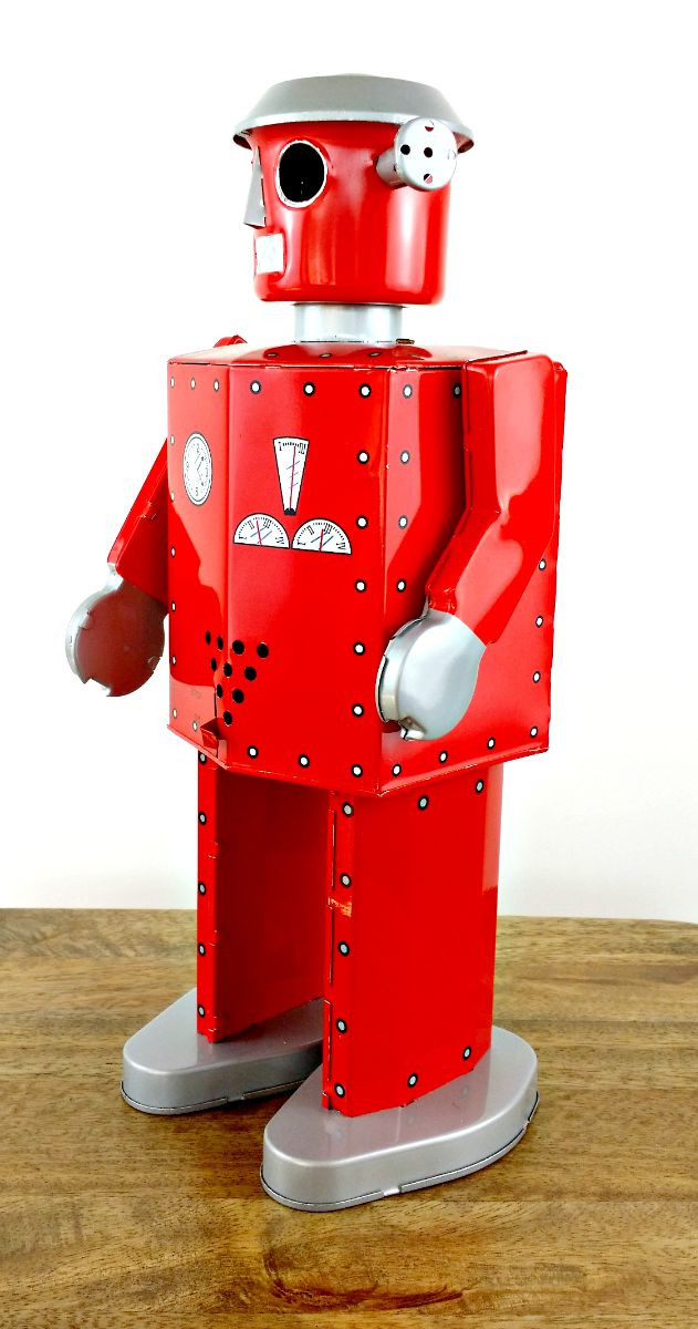 tin-toy-robot-atomic-giant-on-angle