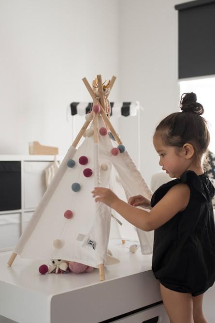 mini-toy-teepee-table