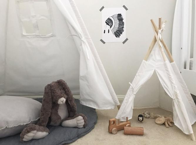mini-toy-teepee-with-bear