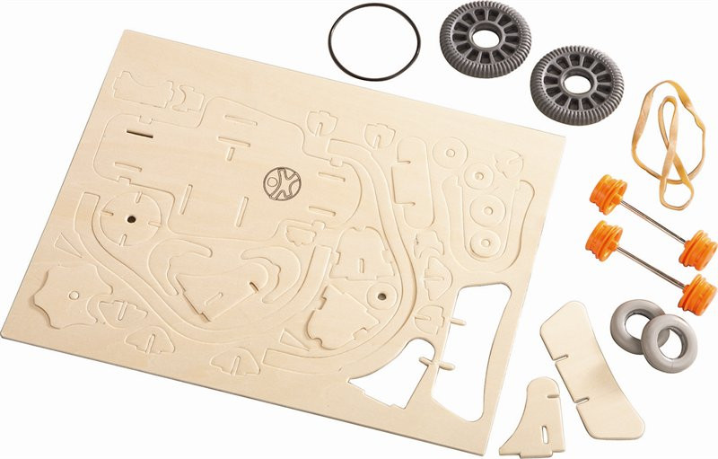 wooden-automobile-assembly-kit-huba-toys-content