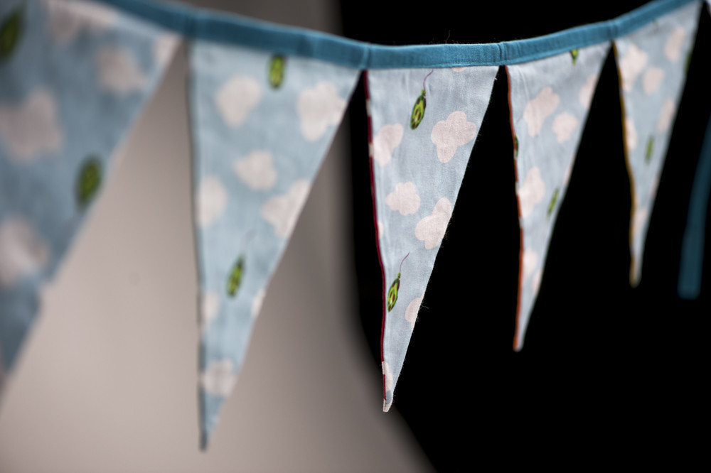 reversible-bunting-rainbow-clouds-and-spots