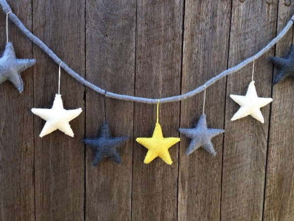 felt-star-garland-yellow-grey-and-white-up