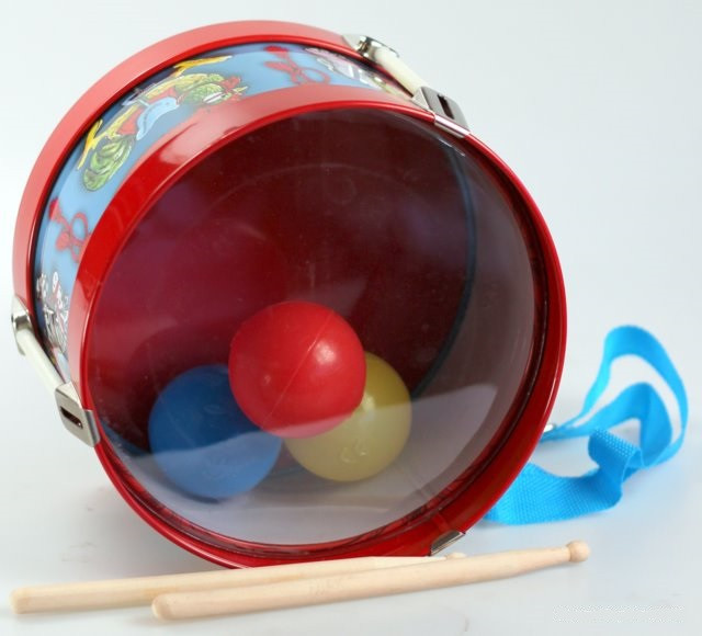 retro-tin-drum-toy-plastic-balls-inside