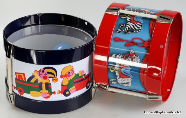 retro-tin-drum-toy-box-and-carousel-design