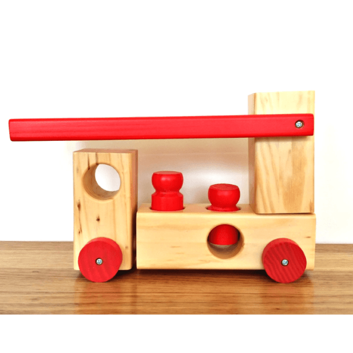 wooden-fire-truck-peg-toy-toby-toys
