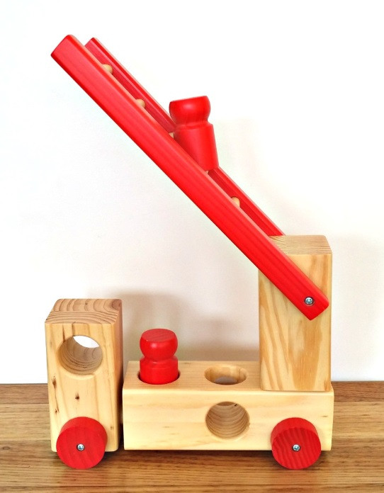 wooden-fire-truck-peg-toy-toby-toys-ladder-up