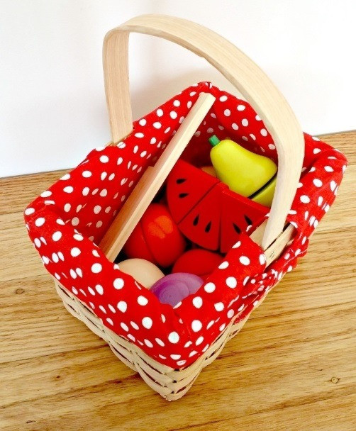 wooden-toy-fruit-vegtable-set-in-wicker-basket-egmont-above