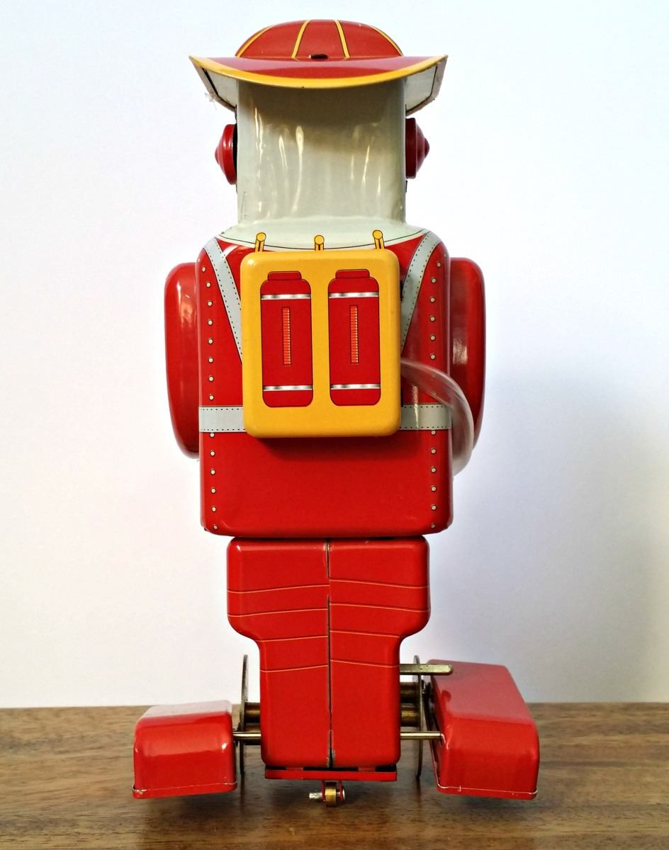 robot-fireman-tin-toy-back