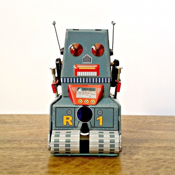 robot-tractor-tin-toy