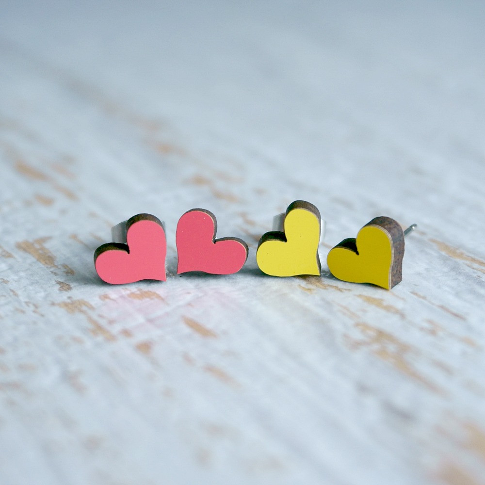 Laser Cut Wooden Stud Earrings – Hearts (2 Colours)