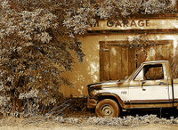 B & M Garage Sepia pro texture