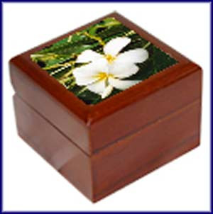 Jewelry/ring box.  Shown here with flower image on 2x2 tile.  Can be personalized with your choice of image or initials and date!